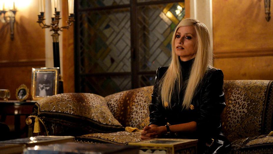 The Assassination of Gianni Versace: American Crime Story - Penelope Cruz as Donatella Versace - Publicity-H 2017