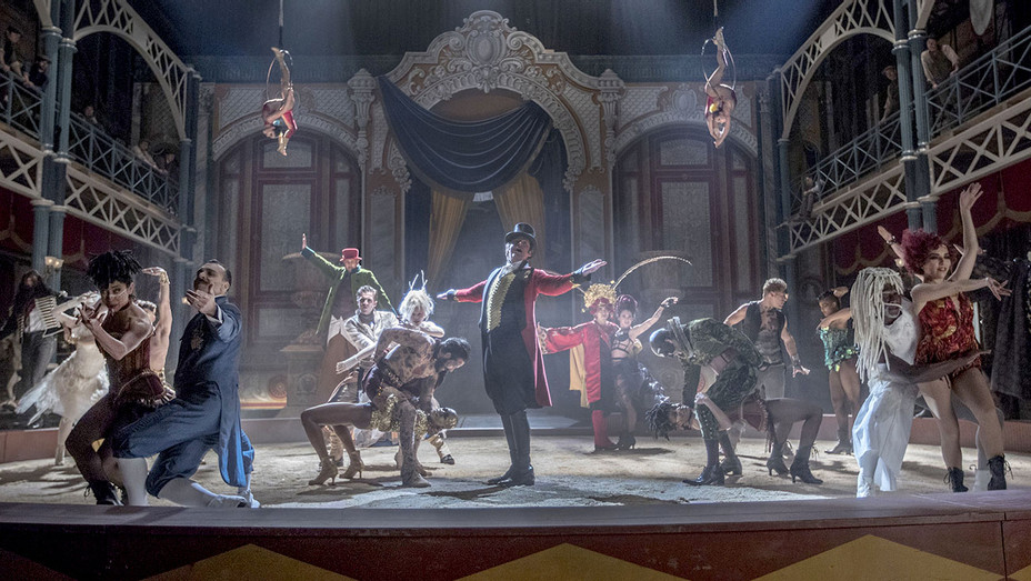 The Greatest Showman - Costumes - Stage - Publicity-H 2017
