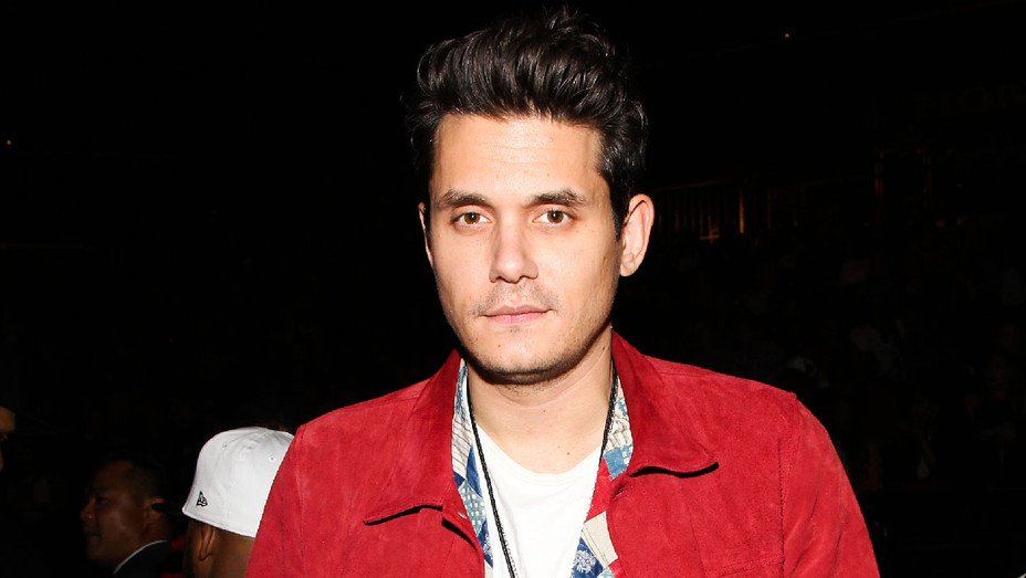 John Mayer - 2016 D'USSE VIP Riser at ANTI World Tour - Getty - H 2017
