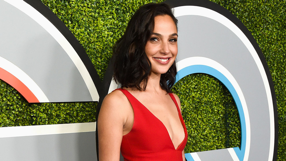 Gal Gadot - 2017 GQ Man of the Year Party - Getty - H 2017