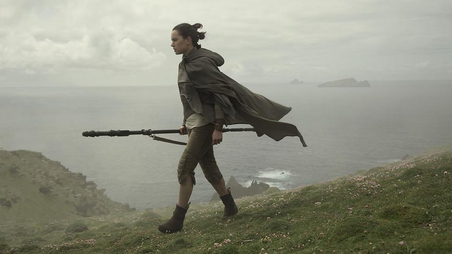 Star Wars: The Last Jedi Still 13_Daisy Ridley - Publicity - H 2017
