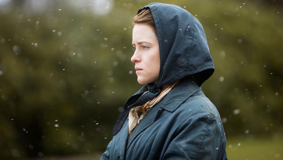 The Crown Still 205 Claire Foy - Publicity - H 2017