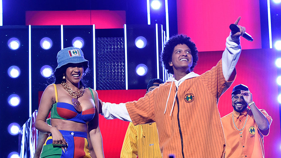 Cardi B and Bruno Mars_onstage_embed - Getty - EMBED 2018