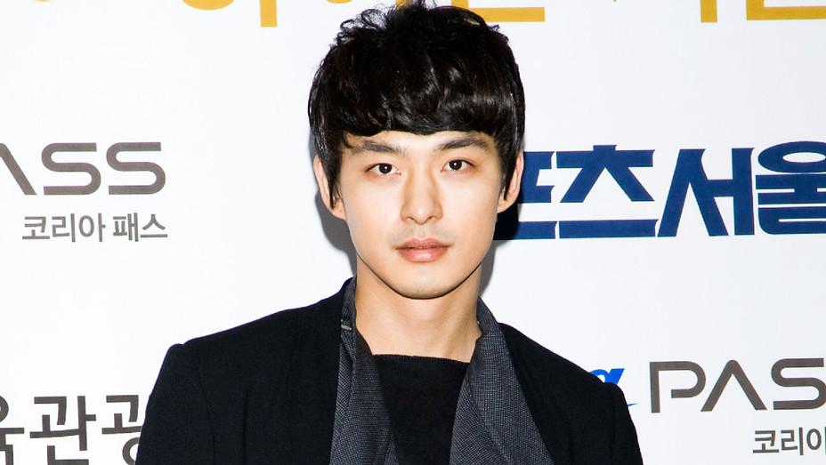Jeon Tae-su - 2012 21st High1 Seoul Music Awards - Getty - H 2018
