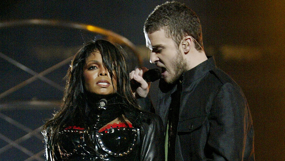 Janet Jackson and Justin Timberlake perform during the halftime show at Super Bowl XXXVIII -Getty-H 2018