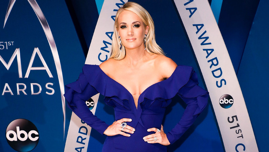 Carrie Underwood - The 51st Annual CMA Awards - Getty - H 2017