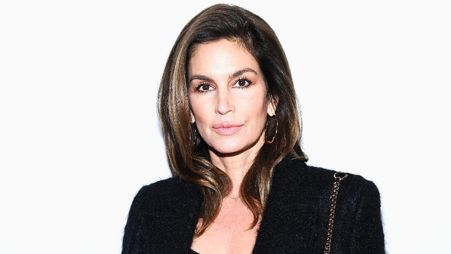 Cindy Crawford - 2018 Balmain Homme Front Row - Getty - H 2018