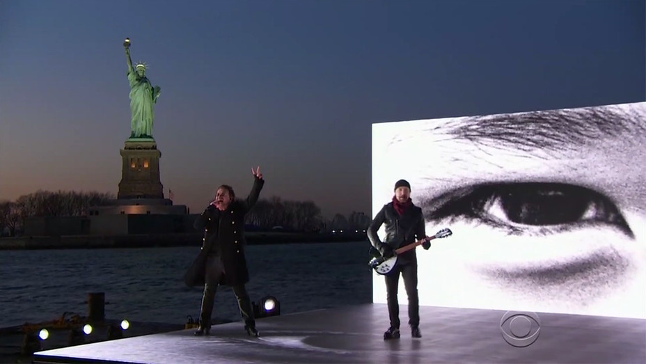 U2 performing_Grammys_Statue of Liberty - Screengrab - H 2018