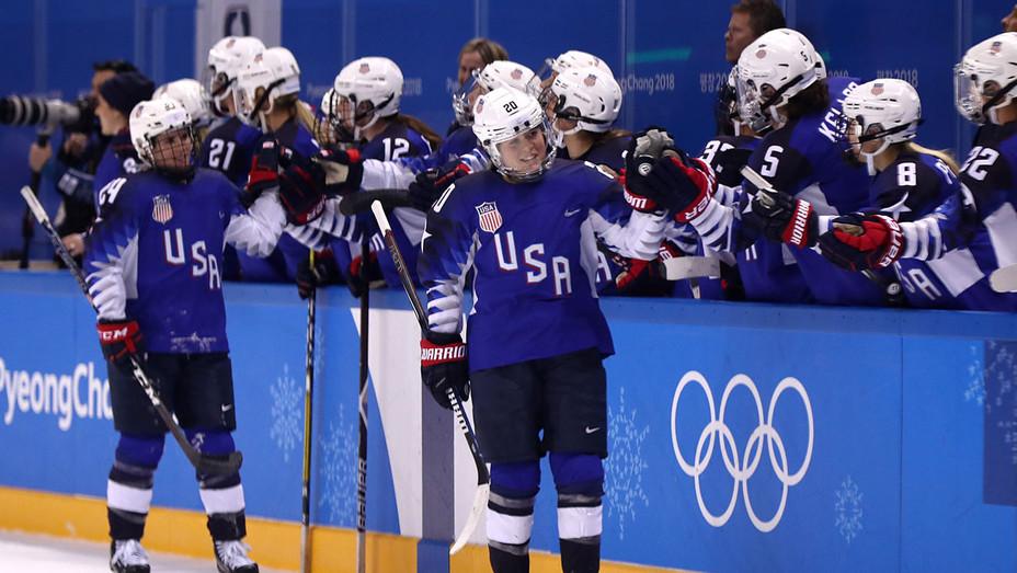 2018 u.s. women's hockey olympic team - Getty - H 2018