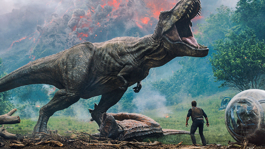 Jurassic World Fallen Kingdom Still 2 - Publicity - H 2018
