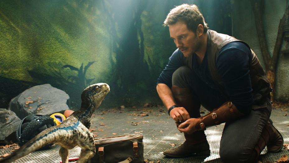 Jurassic World Fallen Kingdom Still 1 - Publicity - H 2018