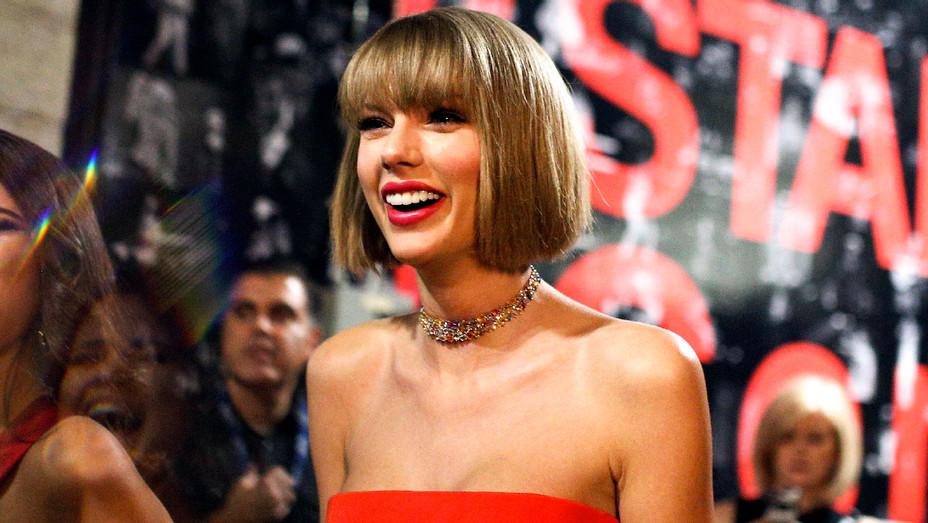 Taylor Swift - 2016 Grammys - Getty - H 2018