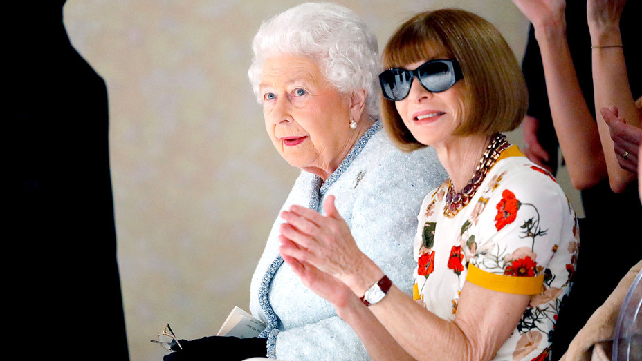 Queen Elizabeth II and Anna Wintour attend the Richard Quinn show during London Fashion Week -Getty-H 2018