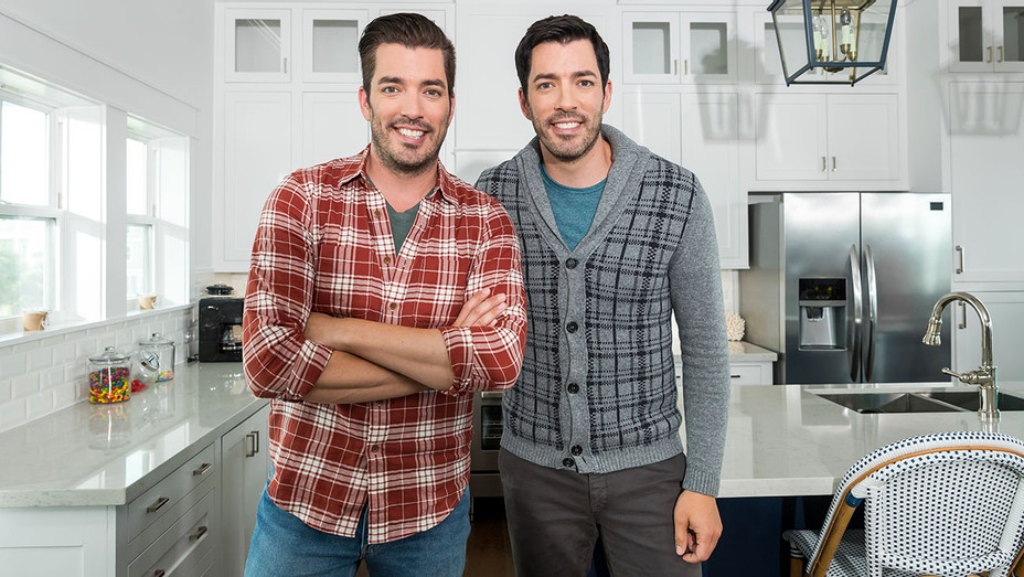 Jonathan and Drew Scott - Brother vs. Brother - HGTV - Publicity 2-H 2018