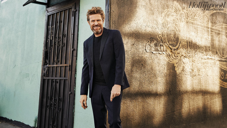 """Willem Dafoe: Oscar's Enigmatic Underdog Wants to """"Disappear"""""""