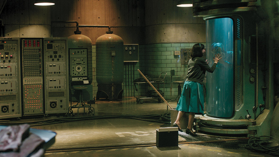 THE SHAPE OF WATER Still 5 - Publicity - H 2018