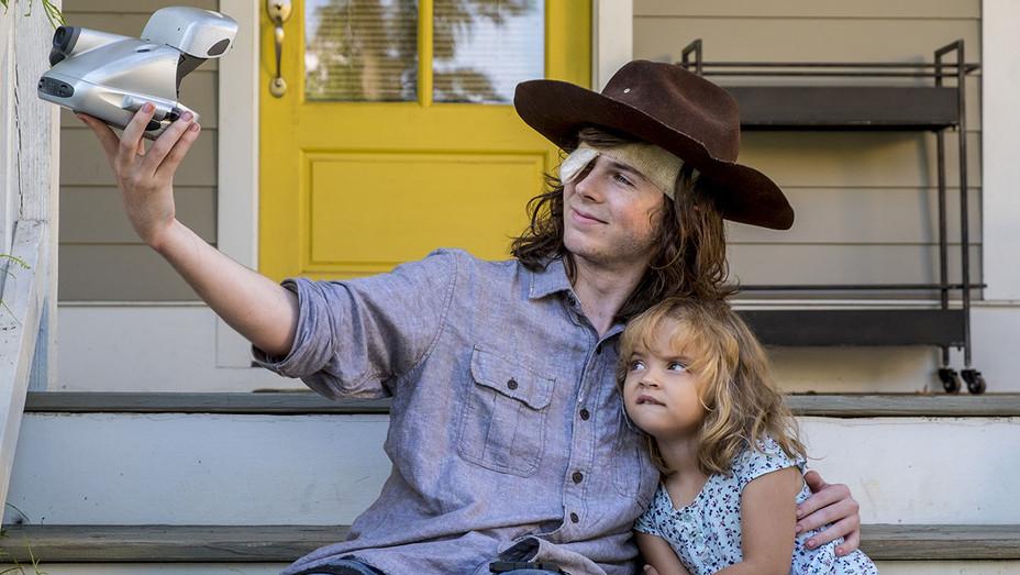 The Walking Dead S08E09 Still 3 Carl - Publicity - H 2018