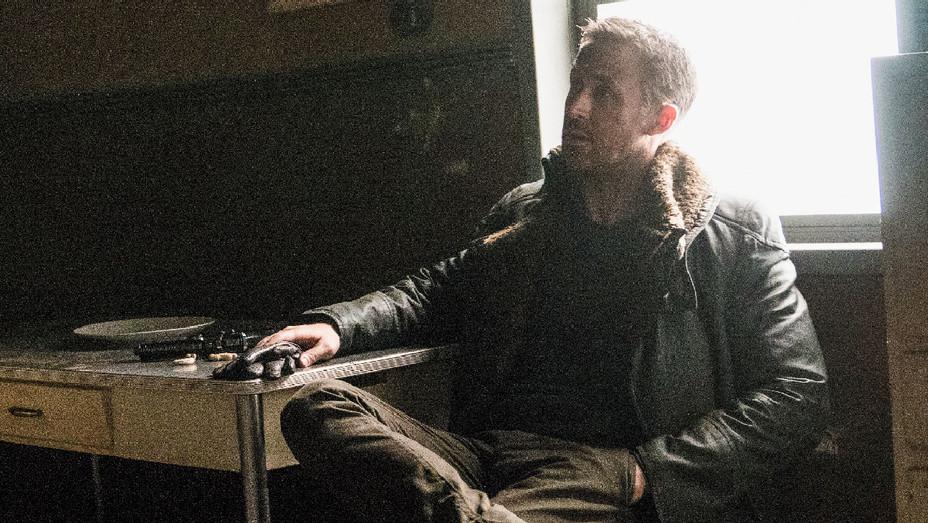 Blade Runner 2049 Still Ryan Gosling - Publicity - H 2018