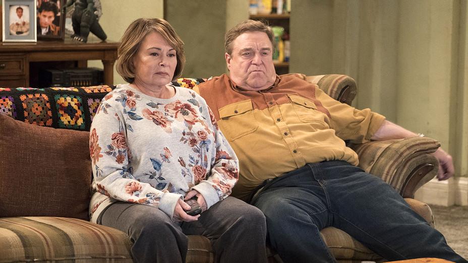 ROSEANNE - Roseanne Gets the Chair - Season Premiere 3 -Publicity-h 2018