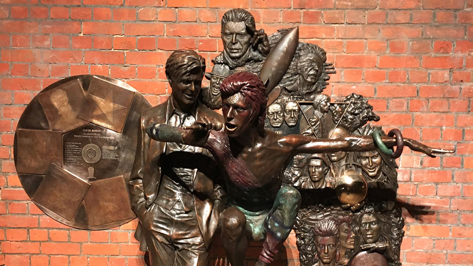 Earthly Messenger -Bowie Statue In Aylesbury - unveiled March 25 - Publicity-H 2018