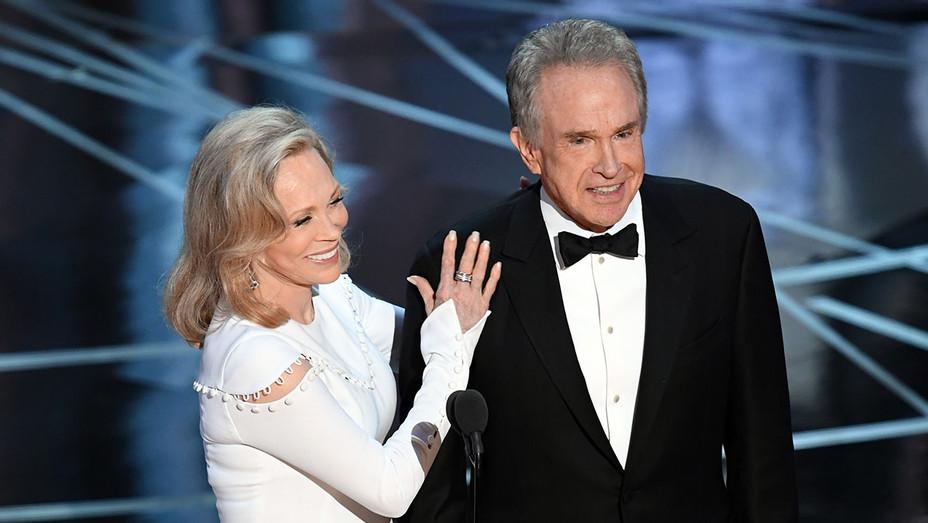 faye dunaway and warren beatty Oscars - Getty - H 2018