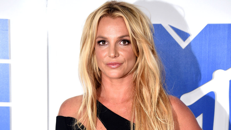 Britney Spears attends the 2016 MTV Video Music Awards - Getty-H 2018