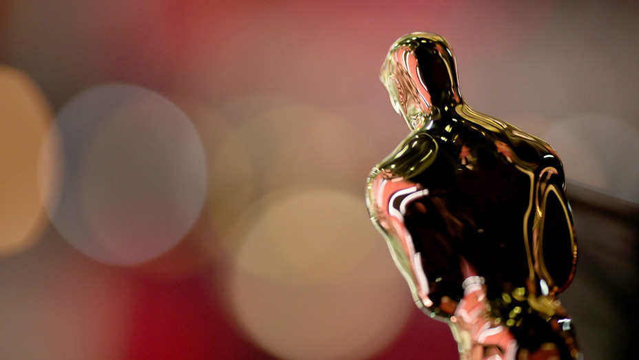 Oscar statuette backstage Academy Awards - Getty - H 2018