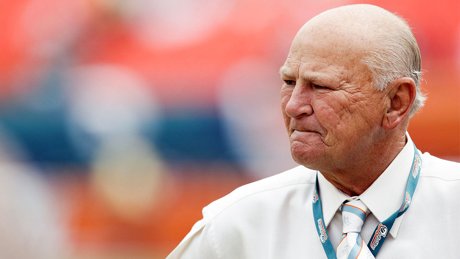 Wayne Huizenga - 2008 Baltimore Ravens v Miami Dolphins Game - Getty - H 2018