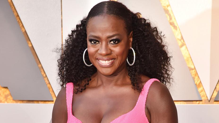 Viola Davis Earrings Oscars - Getty - H 2018