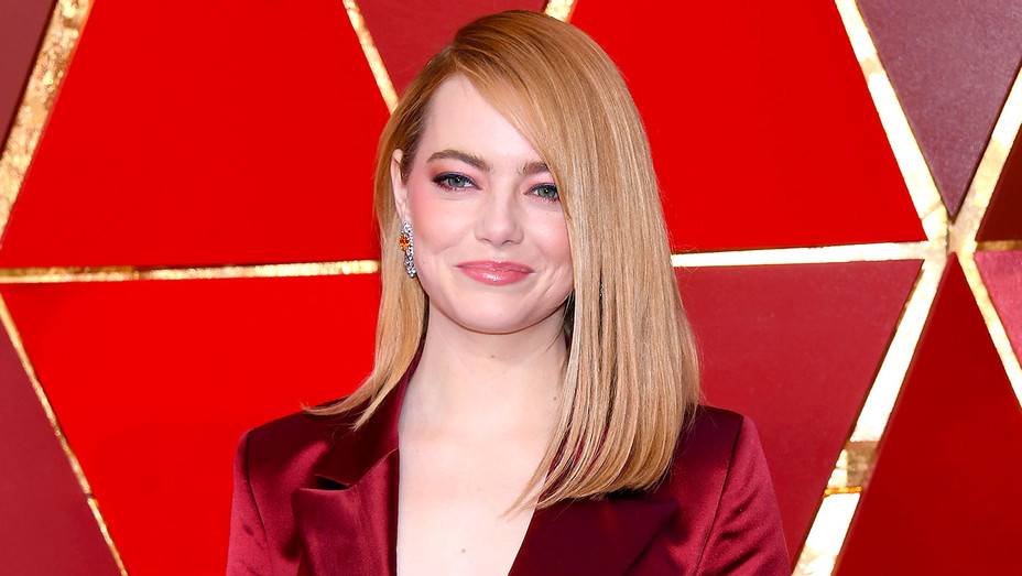Emma Stone attends the 90th Annual Academy Awards -Beauty- H 2018