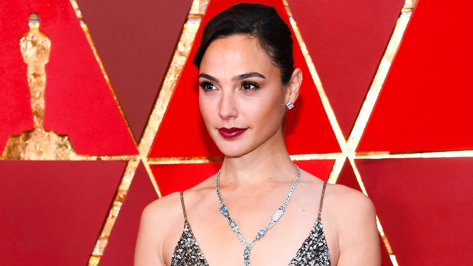 Gal Gadot - Oscars - Getty - H 2018