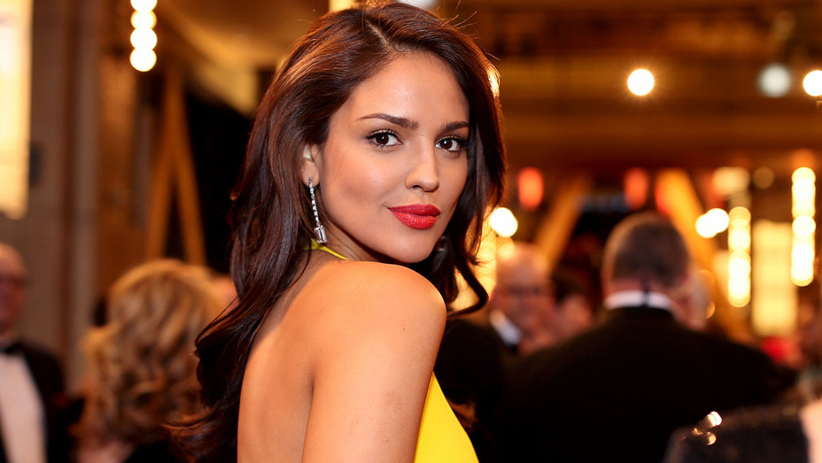 Eiza Gonzalez attends the 90th Annual Academy Awards - Getty - H 2018