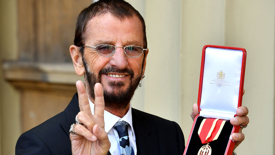 Ringo Starr - poses at Buckingham Palace - Knighthood - Getty-H 2018