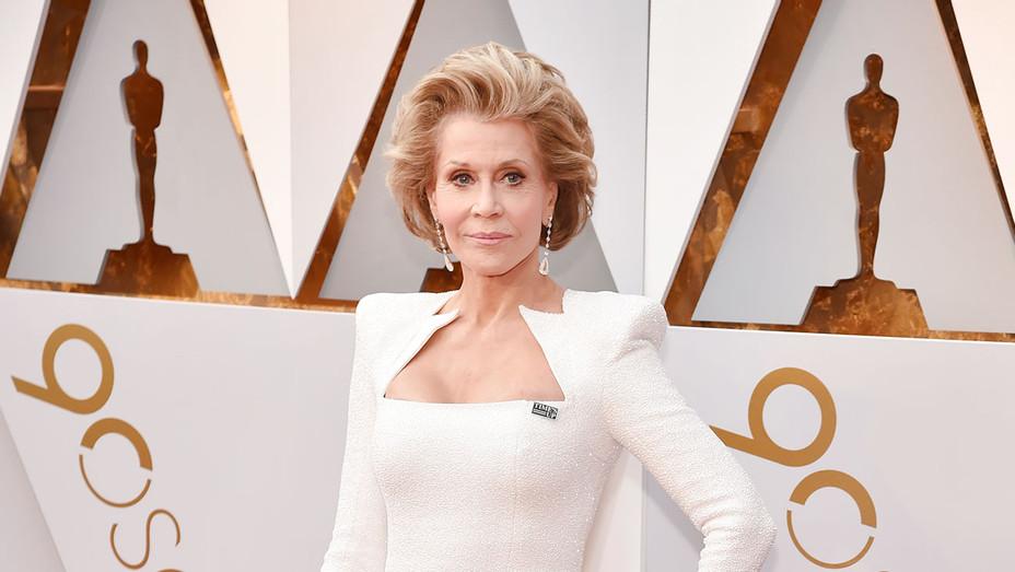 Jane Fonda_Oscars - Getty - H 2018