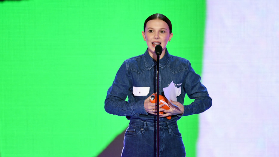 Millie Bobby Brown Kids Choice Awards - Getty - H 2018