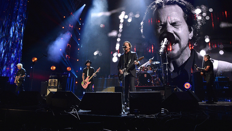 Pearl Jam Performing - Getty - H 2018