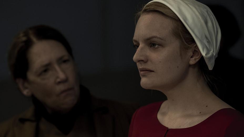 The Handmaid's Tale S02E01 Still 2 - Publicity - H 2018