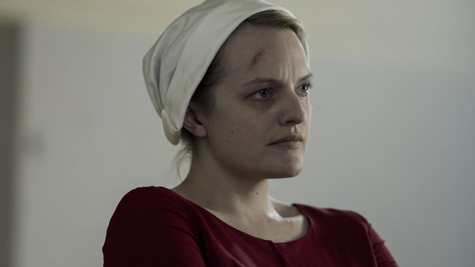 The Handmaid's Tale S02E01 Still 3 - Publicity - H 2018