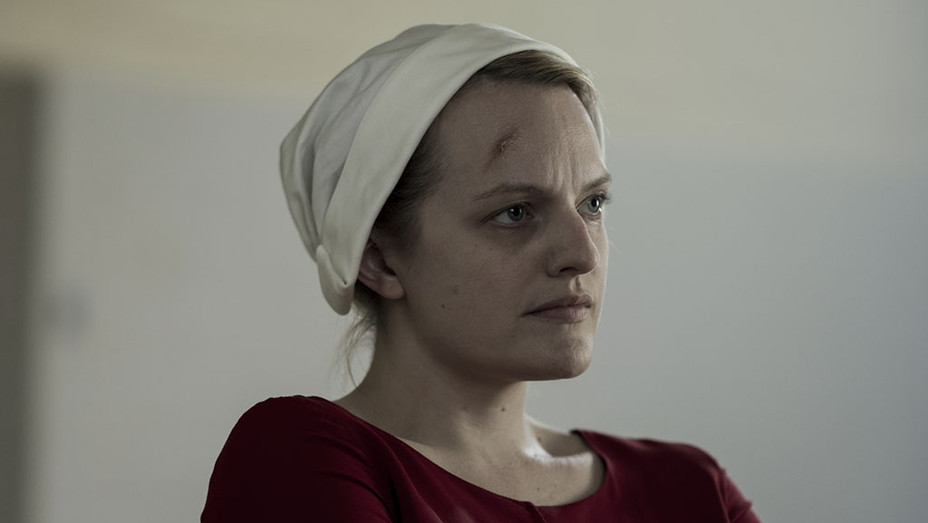 The Handmaid's Tale S02E01 Still 3_embed - Publicity - EMBED 2018
