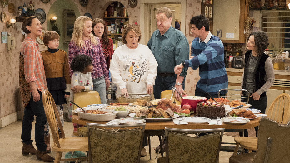 Roseanne Still 1 Knee Deep Episode - Publicity - H 2018