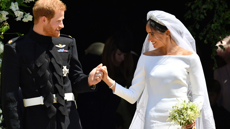Prince Harry Meghan Markle St Georges Chapel Exit - Getty - H 2018
