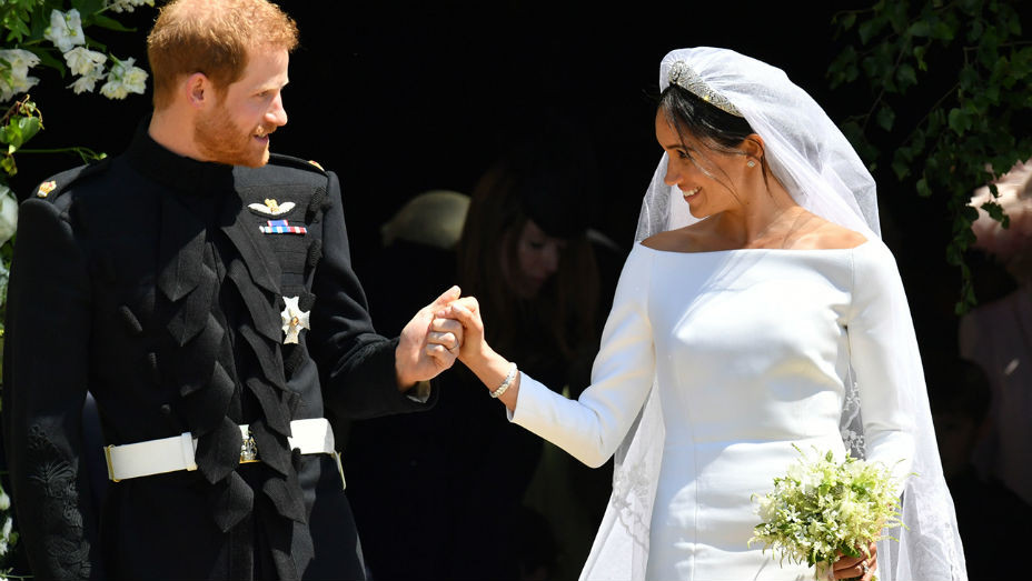 Prince Harry Meghan Markle St Georges Chapel Exit - EMBED -Getty - H 2018