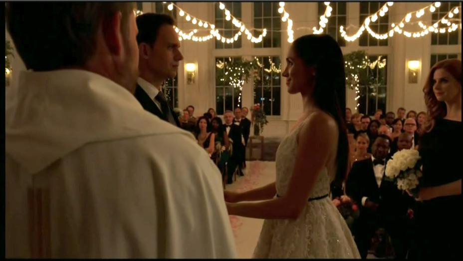 Meghan Markle Suits Wedding - Screengrab - H 2018