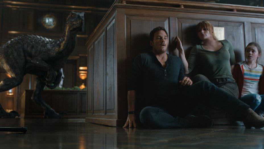 Jurassic World Fallen Kingdom Still 4 - Publicity - H 2018
