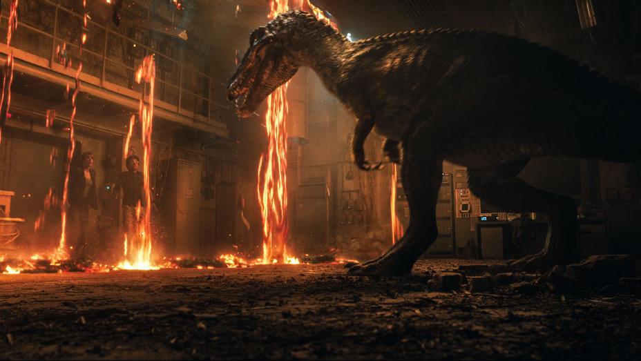 Jurassic World Fallen Kingdom Still 5 - Publicity - H 2018