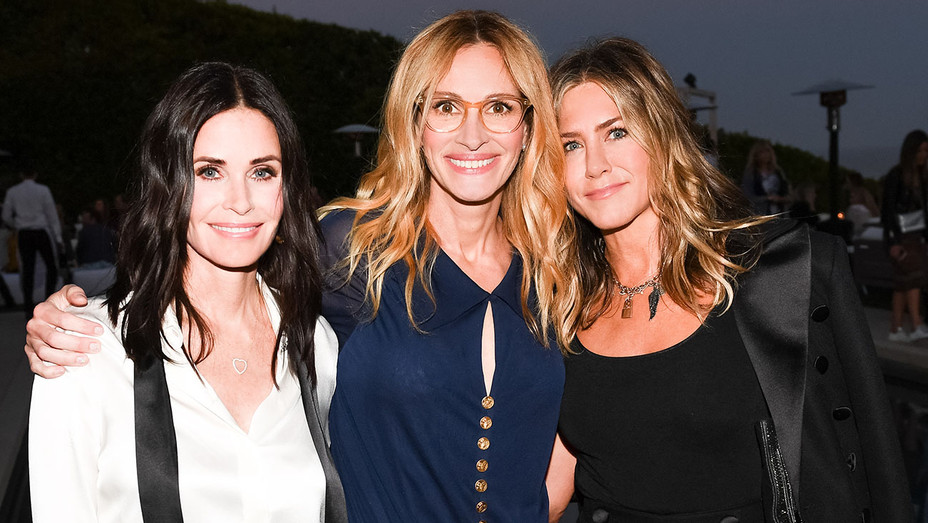 CHANEL DINNER CELEBRATING MAJESTIC OCEANS - Courteney Cox, Julia Roberts, Jennifer Aniston -Publicity-H 2018