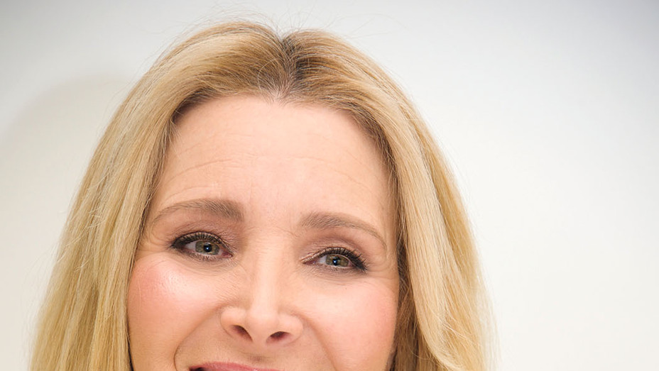 Lisa Kudrow - Reuniting with Friends Co-Creator for Grace & Frankie -Getty- P 2018