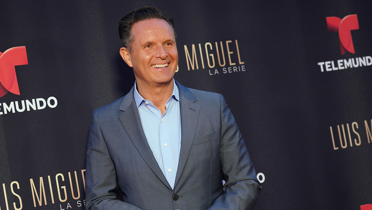 """He Makes You Feel Like You're Questioning Your Sanity"": Mark Burnett's Disruptive Reign at MGM"