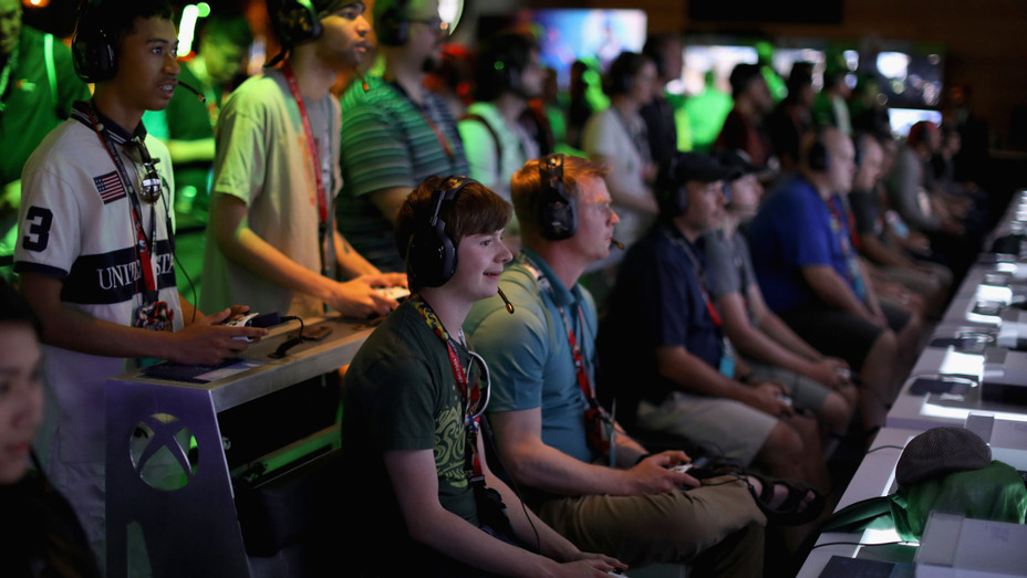 Video game players at E3 - H Getty 2018