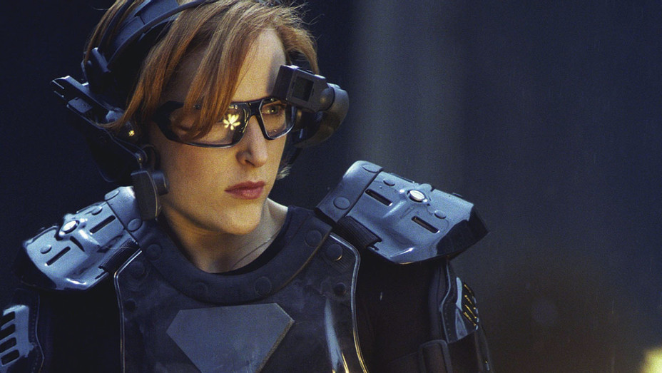 EMMYS -X-FILES - SEASON 7 -Agent Scully (Gillian Anderson) enters high-tech virtual game - H 2018
